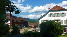 Welcome Fantastic Houses lake montagne 30 min to Capital Bern Swizerland Contacte: arteme@arteme.eu Cabin, Mansions, House Styles, Switzerland, Outdoor Decor, Design, Home Decor, Decoration Home, Room Decor