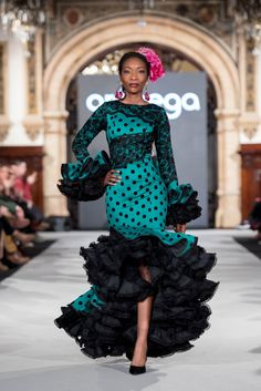 Aranega - We Love Flamenco 2018 - Sevilla Flamenco Costume, Flamenco Dancers, African Fashion Dresses, African Dress, Fashion Outfits, Trumpet Skirt, Dressy Dresses, Seville, Luxury Wedding