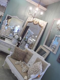 Shabby Chic, Burlap and White Bench this would look awesome for a ladies bathroom at the church, what do you think?