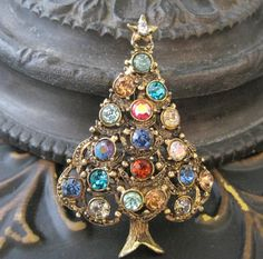 Hollycraft Vintage Christmas Tree Brooch Pin by VintagObsessions, $100.00
