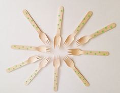 10+Forchette+di+legno+a+pois+verdi+/+10+Green+Polka+by+Partytude,+€4.75