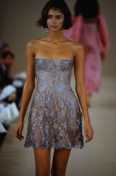 Haute Couture Style, Couture Mode, Couture Fashion, 90s Fashion, Runway Fashion, Fashion Show, Vintage Fashion, Fashion Design, High Fashion Outfits