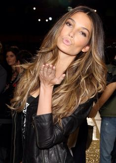 Long layered and wavy Lily Aldridge | #hair #leonorgreyl | www.leonorgreyl.com