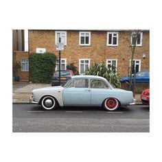 Red rims #carporn #vintage #deBeauvoir #ballin #