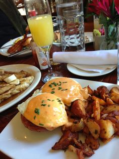 The 10 best Brunch Spots in Nola:   http://www.gonola.com/2014/06/03/gonola-top-10-best-boozy-brunch-spots-in-new-orleans.html