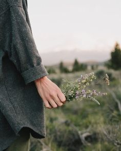 Find images and videos about nature, flowers and green on We Heart It - the app to get lost in what you love. Photo D Art, Foto Art, Foto Zoom, Chise Hatori, The Wicked The Divine, Photographie Portrait Inspiration, Kelly Brown, Pics Art, Portrait Photography