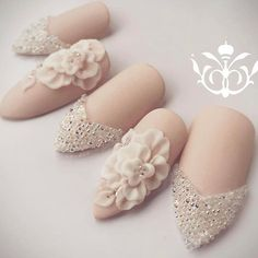 Perfect for wedding day👰👰👰👰👰👰👰🎈🎈🎈🎈🌺🌺🌺report ! Bridal Nails Designs, Hot Nail Designs, Nail Art Tools, Nail Art Diy, Heavenly Nails, Luv Nails, Wedding Day Nails, Vintage Nails, Bride Nails