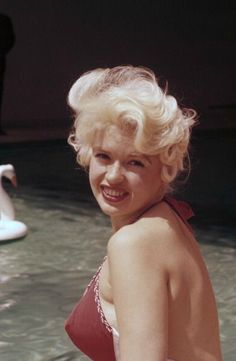 Jayne Mansfield at Cannes, 1958.
