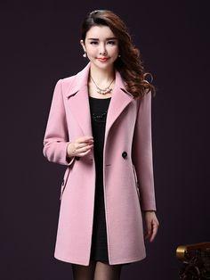Trong những ngày đông giá lạnh, chắc chắn các quý cô không thể thiếu những mẫu áo khoác dạ nữ dáng dài. Áo khoác dạ dáng dài không những thích hợp cho guu thời trang mà còn đủ để các quý cô giữ ấm trong những ngày đông.