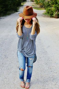 30834cd404e10 Distressed Jeans + Felt Hat minus the flip flops.