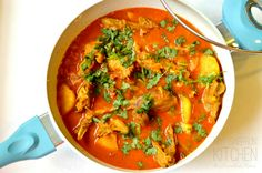 Ma's Murgir Jhol ~ Chicken Curry Bengali Style Bangladeshi Food, Bengali Food, Indian Food Recipes, Asian Recipes, Indian Foods, Ethnic Recipes, Slow Cooker Recipes, Cooking Recipes, Best Curry