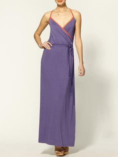 Experiment with your style and try this #flattering #maxidress! #summerwedding