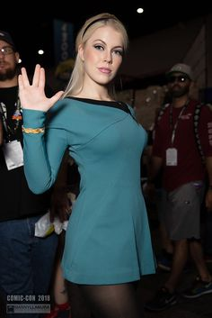 And You Thought Star Trek Was Just For Nerds! 32 Of The Hottest Trekkie Cosplay Girls Star Trek Rpg, Star Wars, Star Trek Continues, Star Trek Uniforms, Star Trek Cosplay, Star Trek Original Series, Star Trek Characters, Star Trek Starships, Star Trek Universe