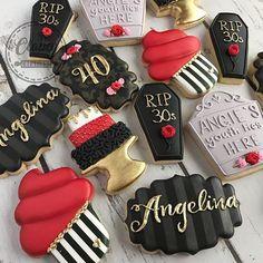 Meringue Cookies, Cookie Frosting, Iced Cookies, Cute Cookies, Royal Icing Cookies, Yummy Cookies, Sugar Cookies, Cookie Designs, Cookie Ideas