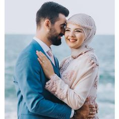 Isn't it very, very beautiful? Turban Design @ meralpinart … – Best Of Likes Share Cute Muslim Couples, Romantic Couples, Cute Couples, Hijab Wedding Dresses, Bridal Gowns, Wedding Shoot, Dream Wedding, Hijab Makeup, Muslimah Wedding