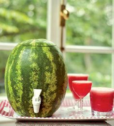 How to Make a Watermelon Keg, this just looks cool Cocktails, Cocktail Drinks, Fun Drinks, Yummy Drinks, Cocktail Recipes, Alcoholic Drinks, Beach Drinks, Refreshing Drinks, Mixed Drinks