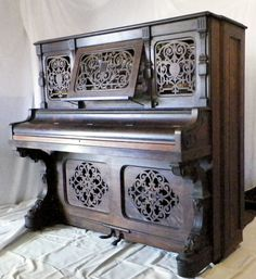 Antique Piano. Wow
