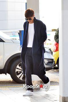 Lee Min Ho at Incheon Airport Heading to Qingdao - Oct 18, 2014 [PHOTOS] : Photos : KpopStarz