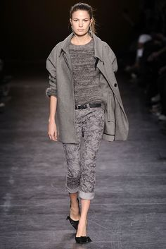 Isabel Marant Fall 2010 Ready-to-Wear Collection Slideshow on Style.com