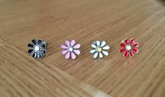 Daisy Flower Labret Tragus Helix Cartilage Monroe Stud, 6.5mm Bar, 3 Colours BN…