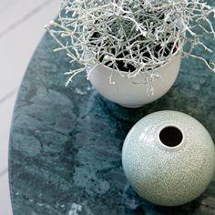 Unico blomsterpotte og vase fra Kähler er nytt i høst Nordic Interior Design, Inside Plants, Green Vase, Ceramic Design, Cool Eyes, Three Dimensional, Unique Art, House Plants, Interior Inspiration