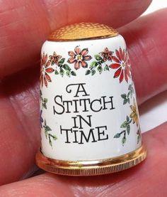 Vintage-HALCYON-DAYS-Bilston-Enamel-THIMBLE-A-STITCH-IN-TIME-Floral-ENGLAND