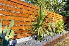 5 Active Tips: Fence For Backyard Decks fence decorations hedges.Fence For Backyard Decks outdoor fence pictures. Landscaping Austin, Fence Landscaping, Backyard Fences, Garden Fencing, Modern Landscaping, Pool Fence, Garden Bed, Garden Gate, Wood Fence Design