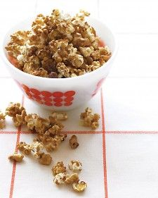 Crunchy Caramel Corn (no corn syrup) - Martha Stewart. Skip the movie theater and still indulge your kids' popcorn cravings -- this extra-crunchy version (with some sweetness) will make them applaud right at home. Caramel Corn Recipes, Easy Candy Recipes, Popcorn Recipes, Sweet Recipes, Snack Recipes, Dessert Recipes, Sweet Desserts, Popcorn Snacks, Awesome Desserts