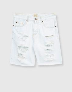 Bermudas de ganga com rasgões - Novidades - Homem - PULL&BEAR Portugal Short Jeans, Pull N Bear, Jersey Shorts, Jean Shorts, White Shorts, Bermuda Shorts, Cool Style, Cute Outfits, Andorra