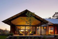 Modern Australian Farm House with Passive Solar Design with One Story Passive Solar House Plans Modern Small House Design, Country House Design, Modern Country Houses, Modern Rustic, Modern Roof Design, Loft Design, Cottage Design, Modern Houses, Design Design