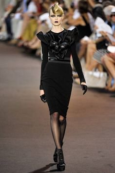 Stephane Rolland Fall 2011 Couture Runway - Stephane Rolland Haute Couture Collection