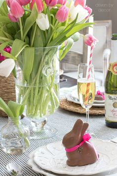 Chocolate bunny place cards for an Easter table  - love this idea!