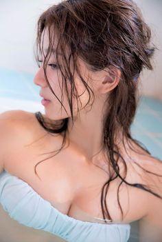 朝比奈彩 ヘルシーでピュアな色気を放つ21歳 – アイドルH画像