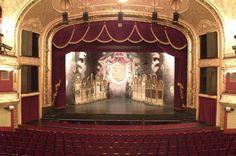 operett szinház budapest - Hledat Googlem Budapest Hungary, Auditorium, Classical Music, Theatre, Opera, To Go, Building, Books, Livros