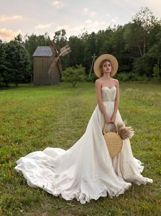 Princess wedding dress LISSA with detachable sleeves Sweet Wedding Dresses, Perfect Wedding Dress, Boho Wedding Dress, Dream Wedding, Garden Wedding, Mermaid Wedding, One Shoulder Wedding Dress, Forest Wedding, Woodland Wedding