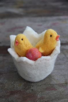 Felted Easter chicks