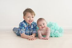 6 month old baby S and her adorable big brother visit the studio for baby portraits. 3 Month Old Baby Pictures, Brother Pictures, 6 Month Baby Picture Ideas, Baby Girl Pictures, Newborn Pictures, Baby Photos, Sibling Photography Poses, Sibling Photo Shoots, Baby Girl Photography