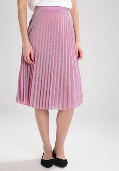 """Pleated skirt - pink. Lining:100% polyester. Outer fabric material:60% polyester, 40% metal. Total length:28.0 """" (Size S). Details:zip fastening,underskirt. Length:knee-length. Pattern:plain. Fit:regular. Our model's he..."""