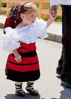 Romania Traditional Clothing has inspired several designers all over the world, is authentic, is unique. In the picture: Traditional port in Maramures Area Kids Around The World, We Are The World, People Around The World, Precious Children, Beautiful Children, Kind Photo, Romanian Girls, Romanian Flag, Ukraine
