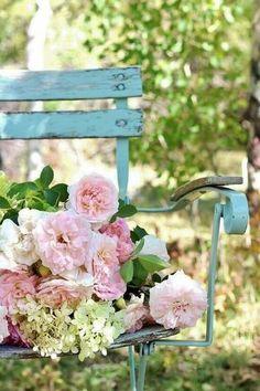 Via La Ferme aux Lavandes, à Sault en Provence/tiniest sparrow.blog.tumblr.com
