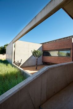 A modern stone farmhouse in South Africa - House Kleynhans, Thomas Gouws Architects, courtyard, brick, architecture