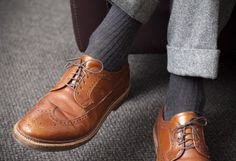 Love this look! Heather grey pant, darker sock and classic shoe.