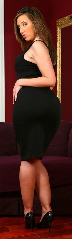 Would big ass kelly devine Barbies