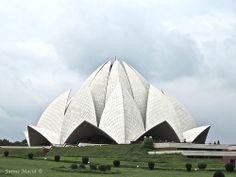 Lotus Temple. New Dehli, India. By Jaime Maciá  jaimemacia.tumblr.com