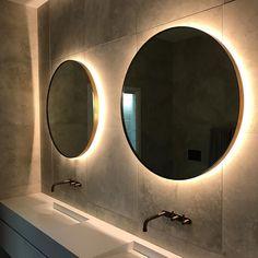 New mirrors : main bathroom #petalumahouseau #petalumahouserenovation @ninamayainteriors @customconstruction @ispacesolutions @plateau_electrical @candana_ #bathroom #love #ninamayainteriors