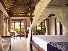 Book your dream holiday at the Kamandalu Resort & Spa, Ubud, Bali  and expect a warm welcome with Tropical Sky.