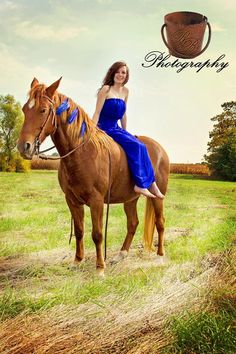 Horse / senior picture blue dress and blue feathers / country