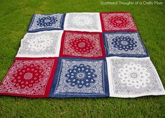 DIY | BANDANA QUILT (scatteredthoughtsofacraftymom) I have found my project for next week. Bandana Quilt, Bandana Blanket, Picnic Quilt, Picnic Blanket, Picnic Tablecloth, Tablecloths, Quilting Projects, Sewing Projects, Sewing Ideas