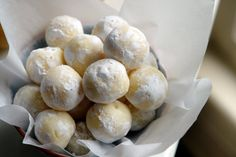 K Bakes: White Chocolate Lemon Truffles plan to make these a small dessert for thanksgiving can't wait Lemon Desserts, Lemon Recipes, Just Desserts, Sweet Recipes, Delicious Desserts, Yummy Food, Toffee, Candy Recipes, Dessert Recipes