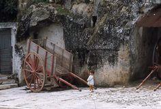 MATERA 1970- LA BIMBA ED IL CARRO   #TuscanyAgriturismoGiratola